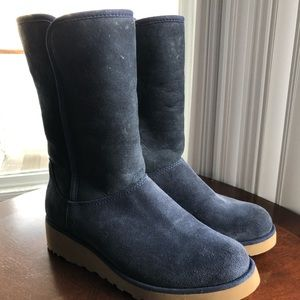 S⭕️LD‼️Ugg Women's Amie Boot Size 5.5 Navy